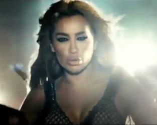 Shaklak Ma Btaeref Maya Diab Video